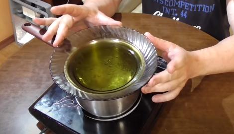 Видео: BHO (Янтарное масло из маникюрных листьев)