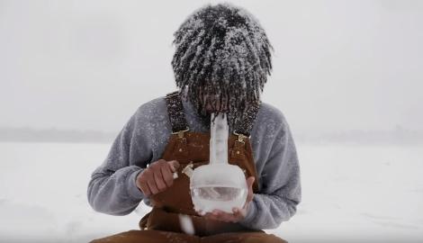 Айс Айс Беби: Как сделать бонг изо льда