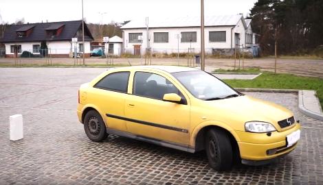 Видео: Накуренный водитель VS Трезвый (Canna News)