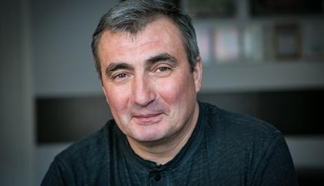 Как бывший чиновник поднимает крупнейшее конопляное производство в России