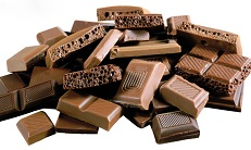 Шоколадку будешь?