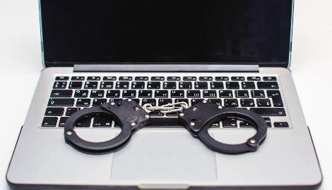 Путин хочет посадить в тюрьму всех, кто пропагандирует наркотики в интернете