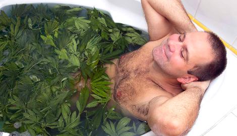 Полезный релакс. Ванна с каннабисом