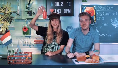 Видео: Бастиан ест космический пирог