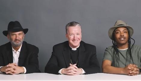 Раввин, священник и атеист курят вместе