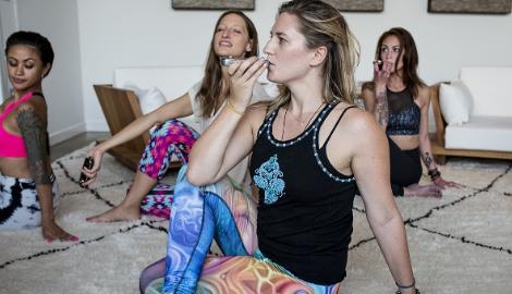 Медитация, йога и каннабис
